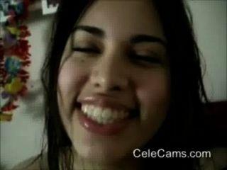 हॉट मांसल कैम पर उसके स्तन और गधा दिखा लैटिना (नया)