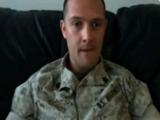 सेना पुरुष बड़ा cums