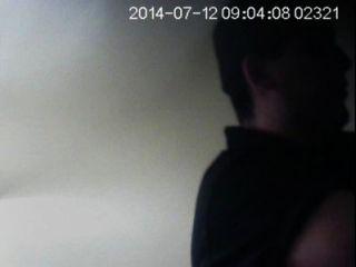 शौचालय, जासूसी कैमरे पर सैफ