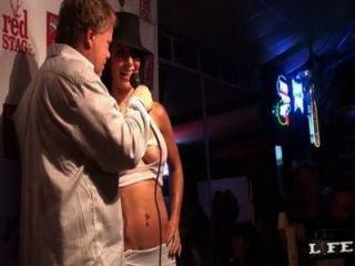 मिस सेक्सी fishnets - काल्पनिक उत्सव कुंजी पश्चिम गीले टी शर्ट प्रतियोगिता