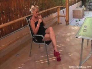 श्रीमती मिलर पैर बुत वीडियो छोटे