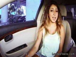 कार पीओवी में संचिका मैक्सिकन किशोरों blowjob
