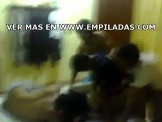 Amigos follan एक मेक्सिकाना colegiala borracha follada