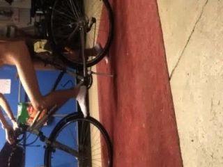 मुझे और मेरी बाइक