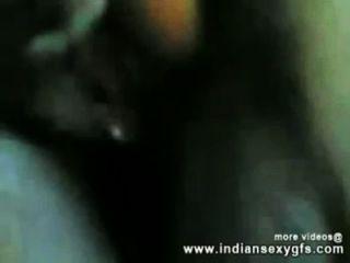 Hotelroom में उसके चाचा के साथ भारतीय देसी लड़की कमबख्त - indiansexygfs.com