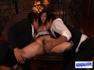गर्म एशियाई लड़की squirting पाला है, जबकि उँगलियों चूसने मुर्गा सोफे पर गड़बड़