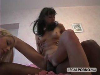 2 सेक्सी बिल्ली और गधे SL-04/01 में एक बड़ा काला डिक लेने लड़कियों