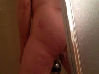 मैरी पर जासूसी शॉवर में हस्तमैथुन