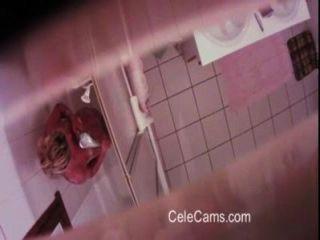 छिपे हुए कैमरे - बाथरूम में milf संकलन