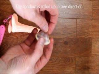 कैसे एक कंडोम वीडियो पर डाल करने के लिए कैसे कैसे कंडोम करने पर एक कंडोम डाल करने के लिए