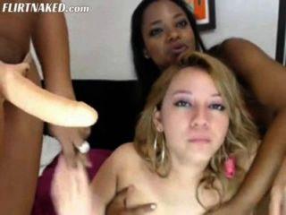 तीन Latinas समलैंगिकों