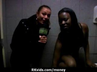 पैसे के लिए 9 असली सेक्स