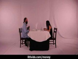 किराए का भुगतान करने के लिए सबसे अच्छा तरीका है 10