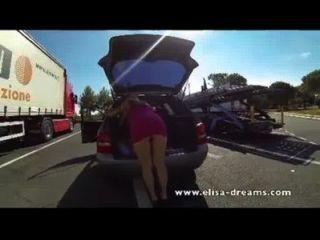 सार्वजनिक नग्नता और गुदा सेक्स वीडियो