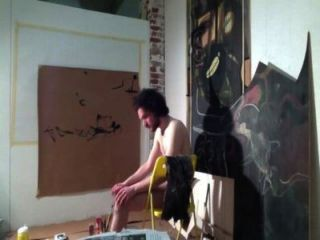 एक्शन से पेंटिंग कलाकार अपने मुर्गा के साथ आकर्षित (Arte डेल cazzo)