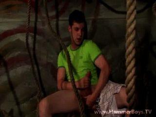 फ्रांस GUSS hammerboys टीवी से dildo के साथ खेलते हैं