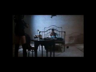 लिंडा डोना रिकोषेट सेक्स दृश्य मुर्गा की सवारी