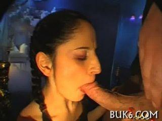 titty बकवास के साथ गीला मौखिक सेक्स