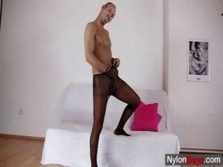 nylonboys.com खुलकर 1 640x360 800,716 ट्यूब