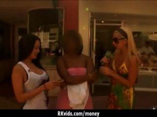 वेश्या payed और सेक्स टेप 12 के लिए हो जाता है
