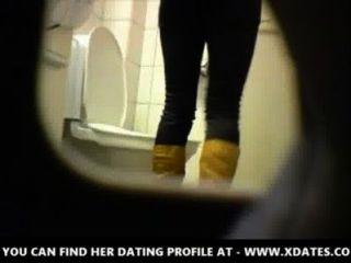 गोरा शौकिया किशोरों शौचालय बिल्ली गधा छुपे हुए जासूस सांचा दृश्यरतिक 2 किशोर शौकिया जोड़े