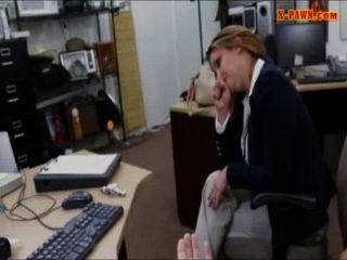 Lusty बड़े स्तन व्यापार औरत बिल्ली ब्याजख़ोर का दुकान में बढ़ा