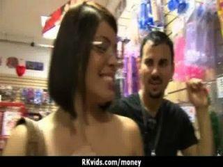 सेक्स अपने बिलों का भुगतान 2