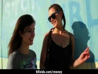 पैसे के लिए 14 असली सेक्स