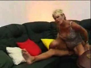 जर्मन गोरा माँ और युवक