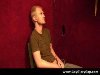समलैंगिक कट्टर gloryhole सेक्स अश्लील और गंदा समलैंगिक handjobs 18