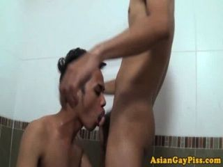 पेशाब बुत एशियाइयों टब में गुदा सेक्स प्यार करता हूँ
