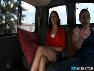 गर्म कॉलेज लड़की एमिली बिन्यामीन से पता चलता है वह बकवास करने के लिए पसंद करती है 2.1