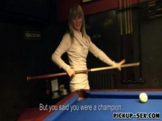 शौकिया यूरो फूहड़ Mikayla पैसे का एक हिस्सा के लिए खराब कर दिया है