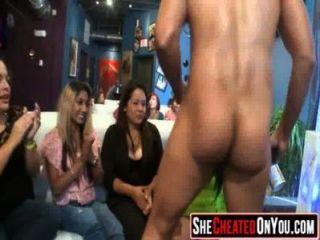 06 20 सुंदर sluts सेक्स पार्टी में सह guzzling 15