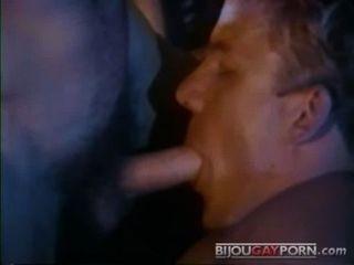 जॉनी डावेस एरिक स्ट्राइकर fucks - विंटेज अश्लील - पीटकर (1983)