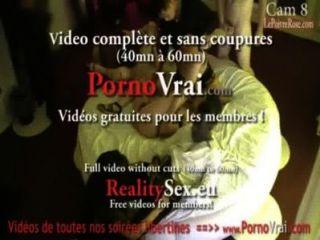 फ्रांसीसी निजी पार्टी पर जासूसी कैमरे!कैमरा espion एन भोज PRIVEE।