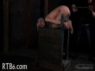 Lusty शहद के लिए मिठाई पीड़ा