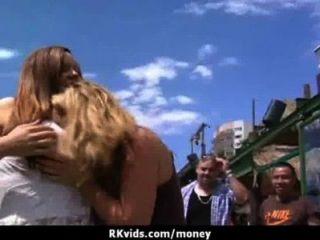 सेक्सी जंगली लड़की बकवास करने के लिए भुगतान किया जाता है 26