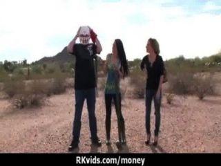 सेक्सी जंगली लड़की बकवास करने के लिए भुगतान किया जाता है 10