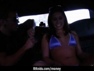 शौकिया लड़की एक बकवास 26 के लिए पैसे लेता है