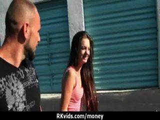 शौकिया लड़की एक बकवास 18 के लिए पैसे लेता है