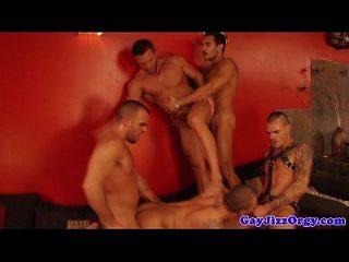 एक गर्म समलैंगिक नंगा नाच में lucio संत सितारे