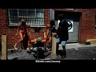 वेश्या के लिए भुगतान किया जाता है और सेक्स के लिए टेप 29