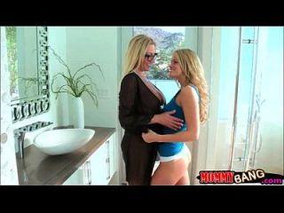 किशोर लड़की जेसा रोड्स और बड़े स्तन stepmom जेनिफर सर्वश्रेष्ठ त्रिगुट