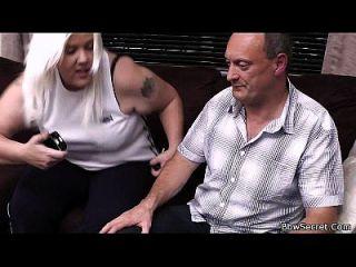 पति को गर्म गोरा BBW के साथ धोखा दे
