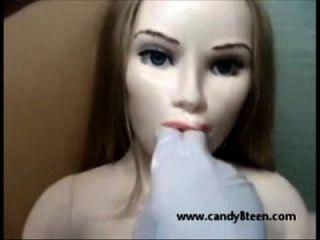 सेक्स गुड़िया प्यार गुड़िया खुले मुंह और खिंचाव वह सिर देता है