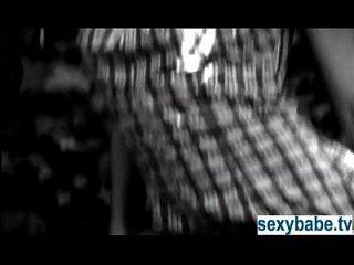 टेलर हायेस प्लेबॉय चैनल पर नग्न