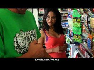 पैसे के लिए असली सेक्स 28
