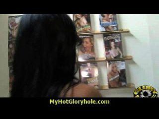 एक गंदा जंगली सफेद लड़की अंतरजातीय 10 के साथ gloryhole