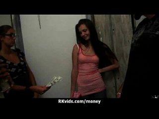 सेक्स मेरे बिलों का भुगतान 7